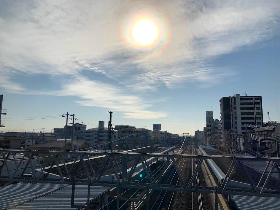 東加古川駅の改札外の窓から見た風景