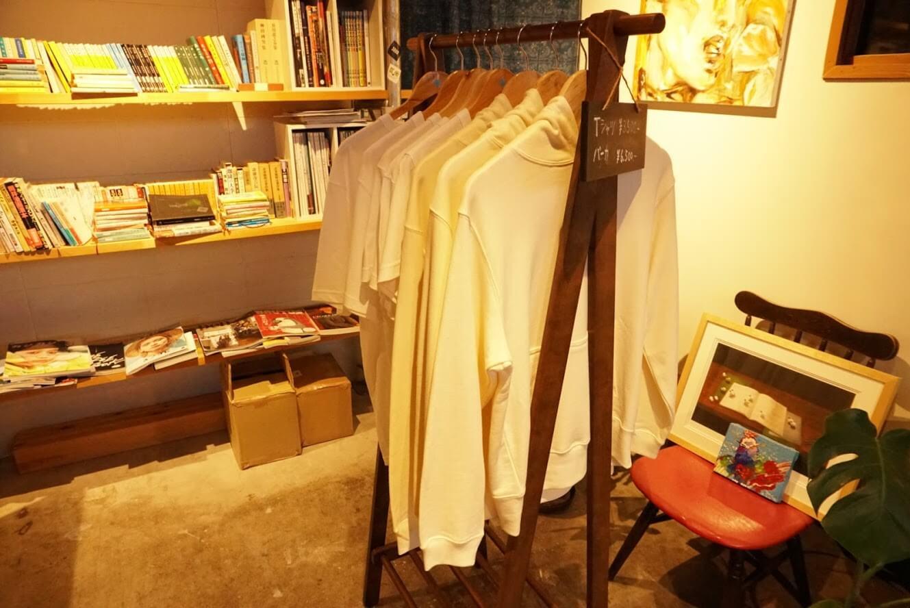 タテイト珈琲店のTシャツとパーカー