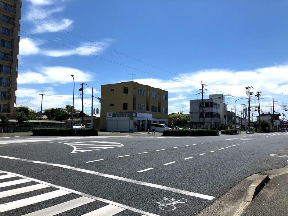 平野東交差点