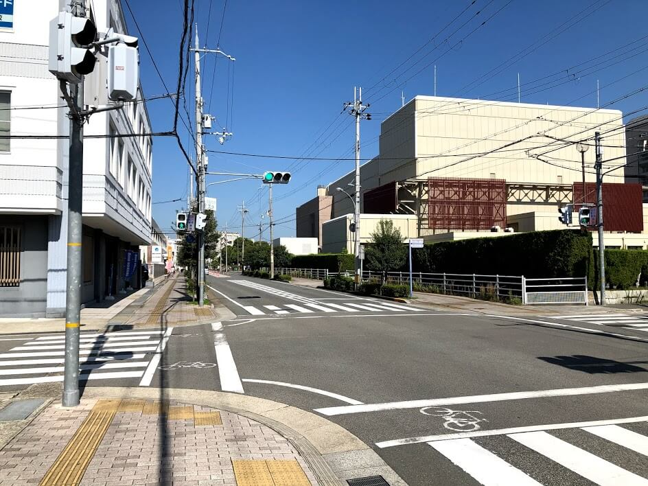 加古川市民会館と加古川市役所