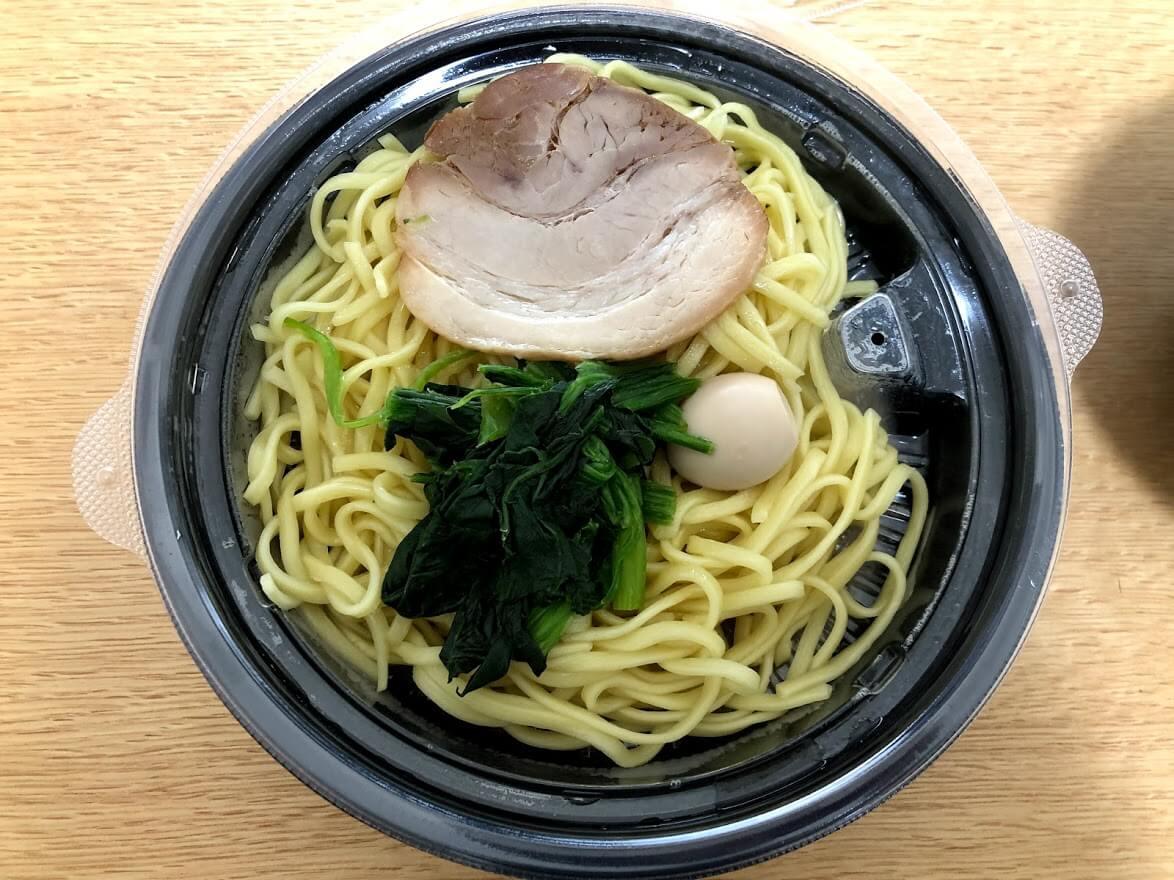町田商店のラーメンの麺と具部分