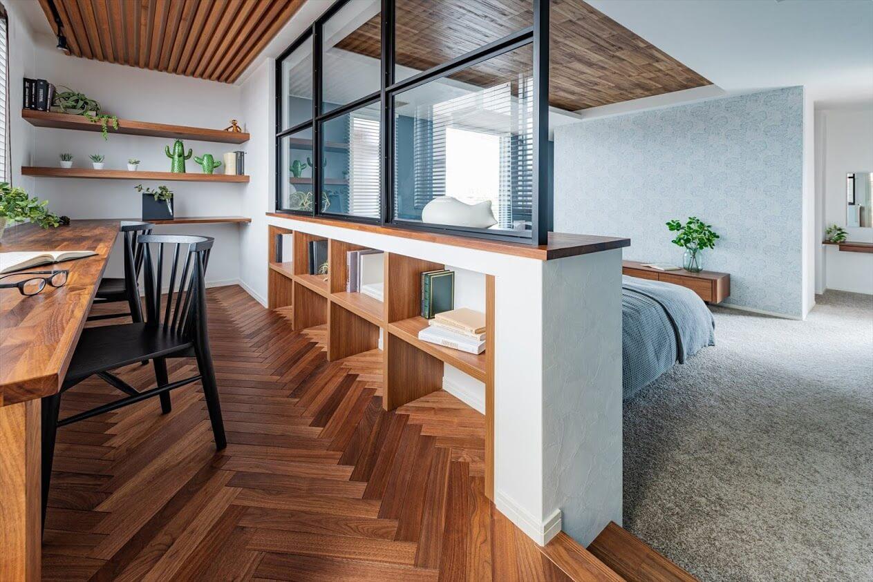 KATARIEの主寝室横の書斎スペース