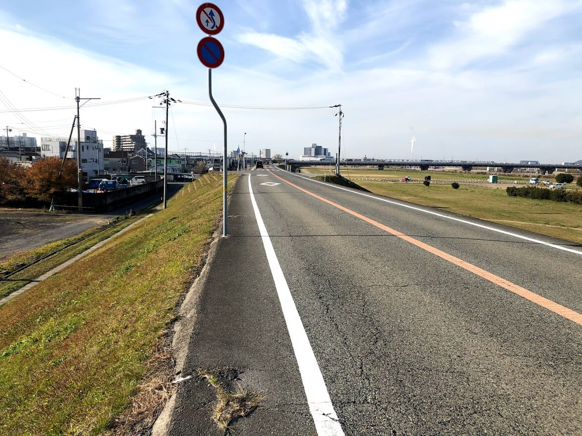 加古川の堤防