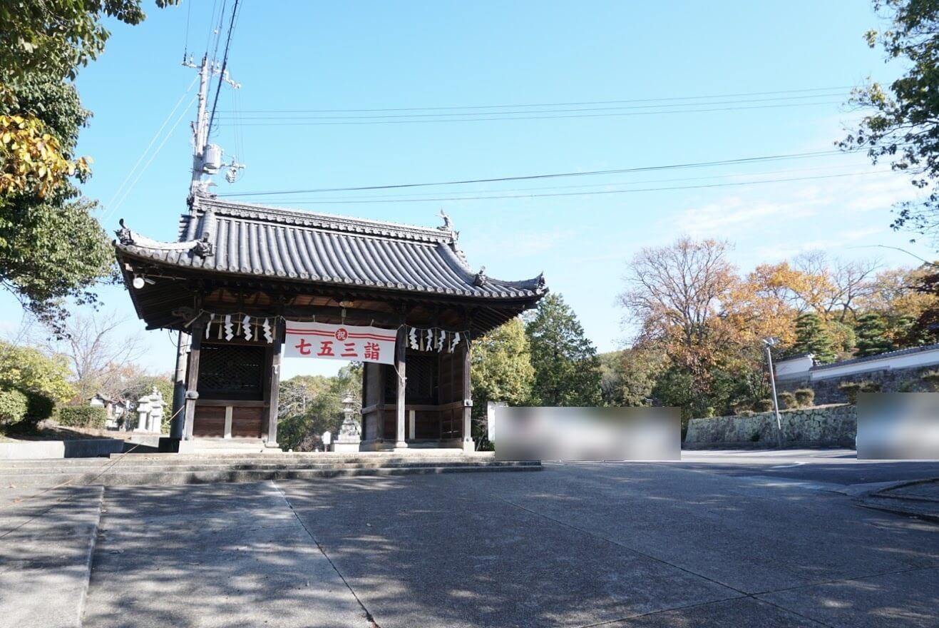 日岡神社の駐車場