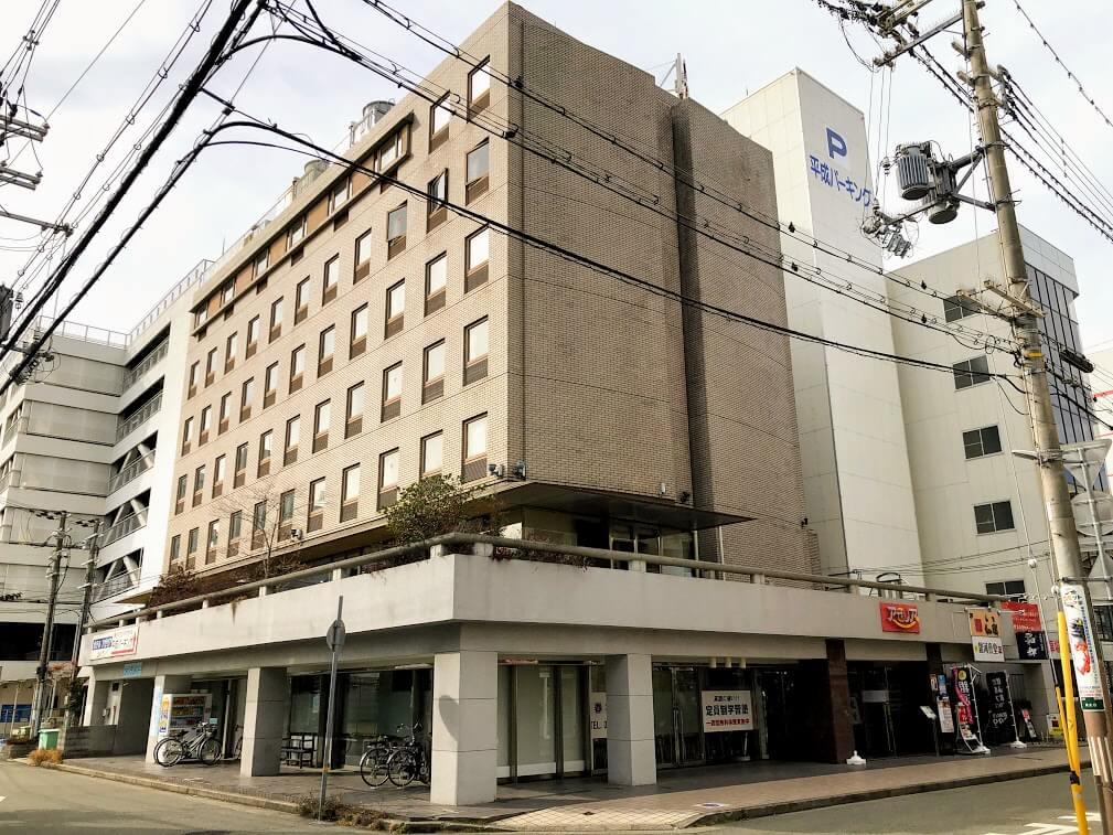 ホテルアゼリア加古川外観