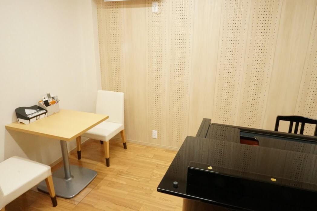 ブリランテピアノ教室のレッスン室、保護者席