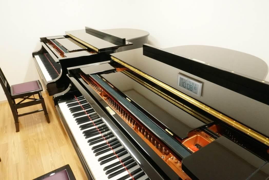 ブリランテピアノ教室のグランドピアノ