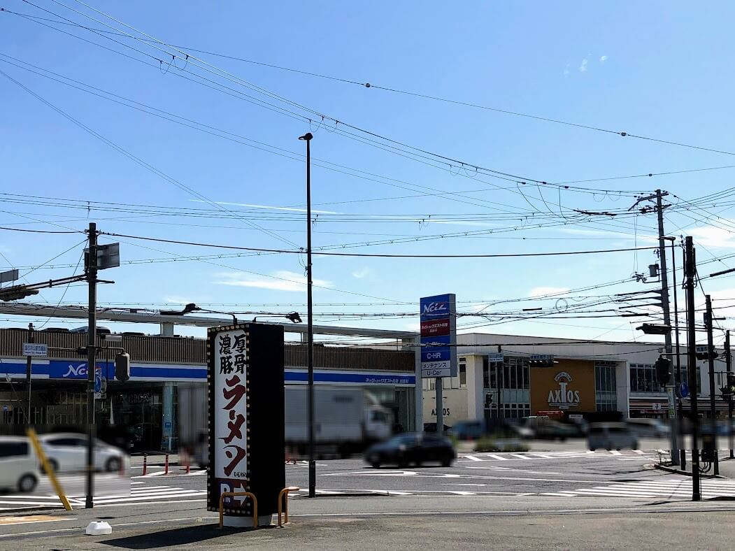 加古川公設市場前交差点