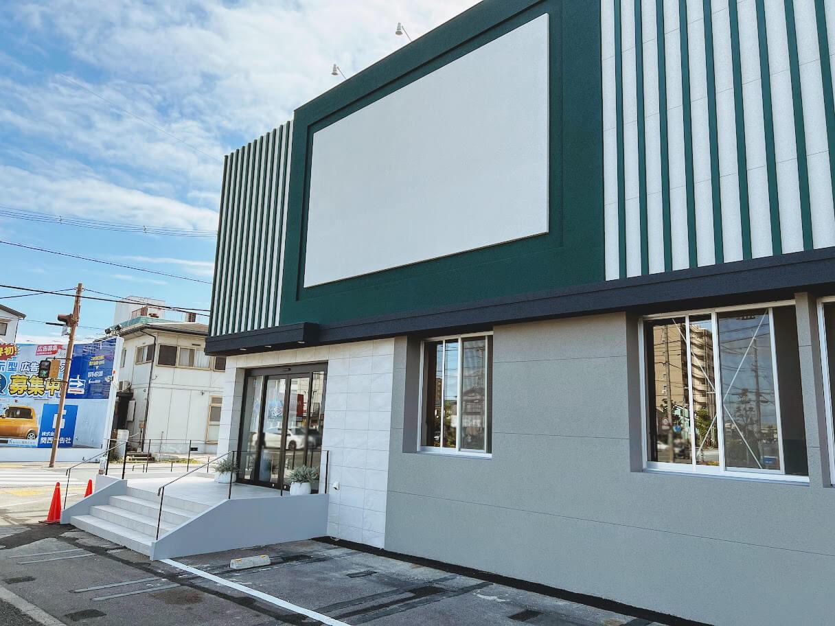 ブランシエラ加古川リアラスのマンションギャラリーっぽい建物外観